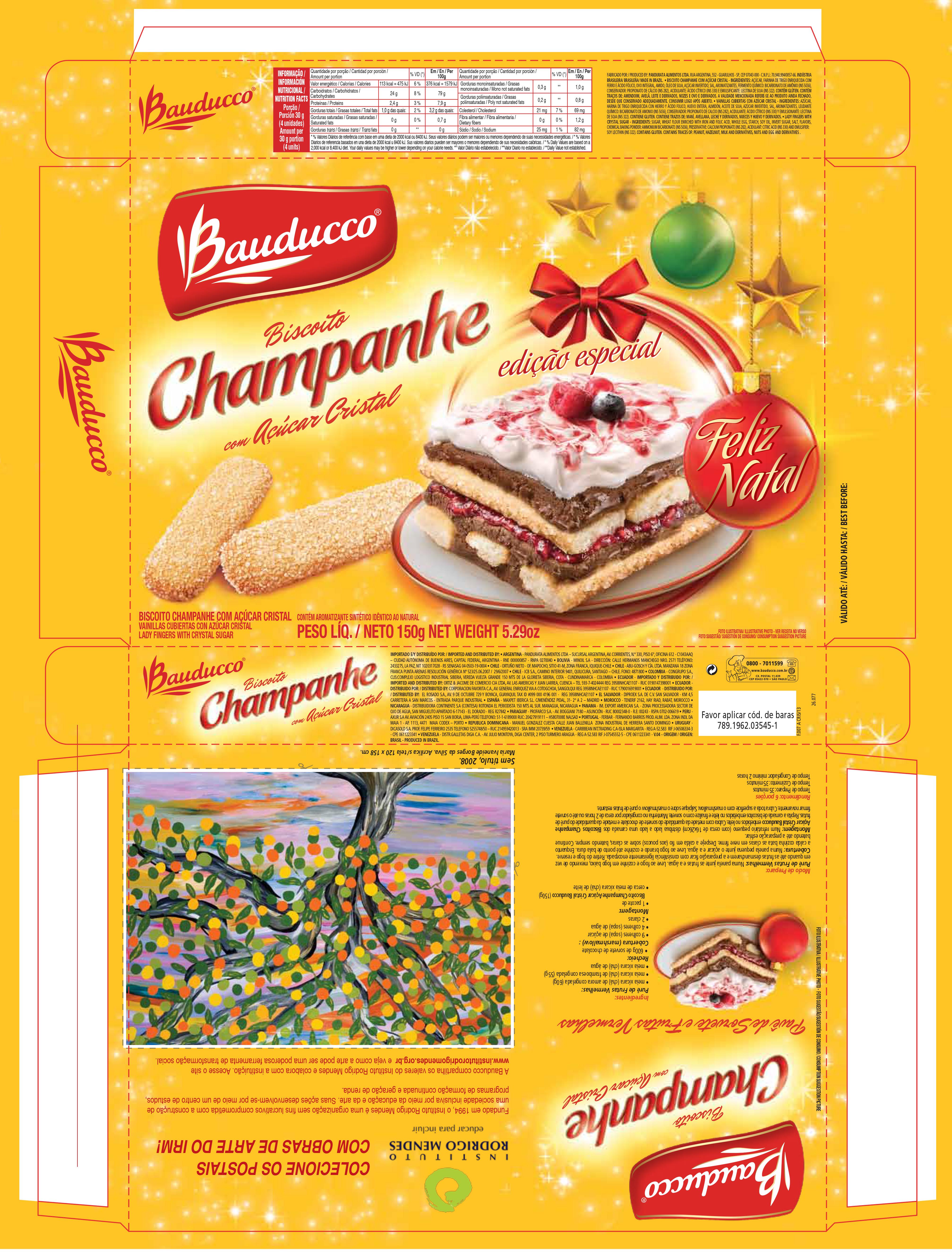 """Embalagem de biscoito de champanhe da Bauducco estampada com enfeites natalinos e um pedaço de Pavê de Frutas Vermelhas. Na parte de trás da embalagem postal com obra de arte representando uma árvore com o letreiro """"Colecione os postais com obras de arte IRM"""" e o logo do Instituto Rodrigo Mendes. Ao lado do postal, uma receita de pavê."""