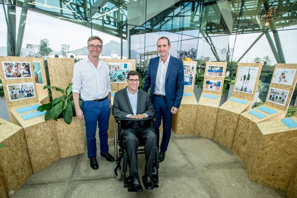 Alex Ellis, Embaixador do Reino Unido no Brasil; Rodrigo Hübner Mendes, superintendente do IRM e Gary Stahl, representante UNICEF Brasil, na abertura da exposição